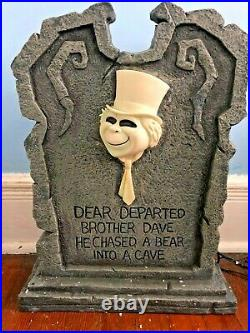 DISNEY Big Figure HAUNTED MANSION TOMBSTONE HITCHHIKING GHOST PHINEAS