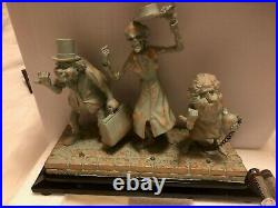 Disney HAUNTED MANSION 50TH HITCHHIKING GHOSTS Light-Up LE Figure VARIANT