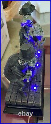 Disney HAUNTED MANSION HITCHHIKING GHOSTS Light-Up Figure