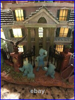 Disney Haunted Mansion Hitchhiking Ghosts Hatbox Light Up House Fiber Optic