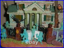 Disney Haunted mansion Hitchhiking ghosts hatbox ghost light up house