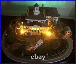 Olszewski Disneyland Haunted Mansion with 3 scenes Brand New with COA