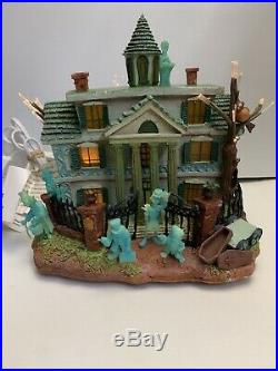RARE Disney Haunted Mansion Hitchhiking Ghosts, Hatbox Ghost Light Up Music Box