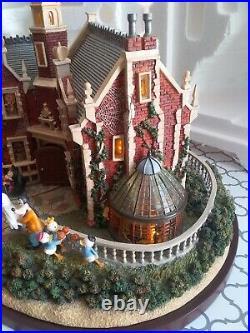 Super RARE Hawthorne Village Disney Haunted House Mansion Animated COA #6 2006