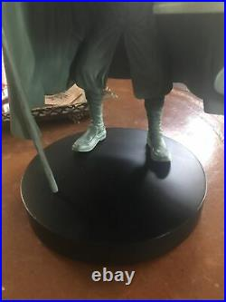 WALT DISNEY Costa Alavezos Hatbox Ghost Haunted Mansion HUGE Display Figure Bi30